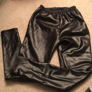 Pants - Pleather leggings with fur lining. S-M
